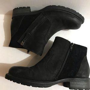 Earth Origins Black Boots 6.5